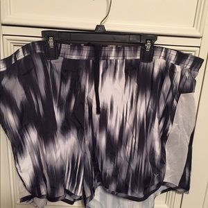 Old Navy Active Shorts - Size XL